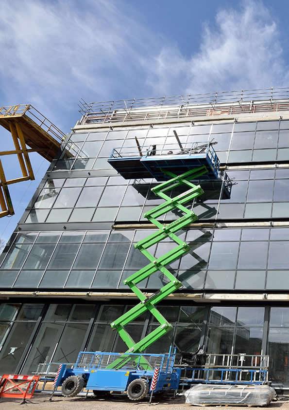Holland Lift HL-220 D25 –  21.90m – Diesel Scissor Lift